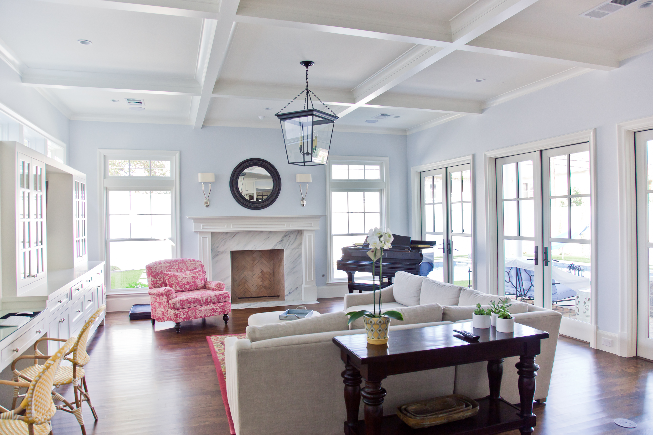 Windows Abound Through This Nautically Themed Living Roomu2014do You Feel Like  Youu0027re